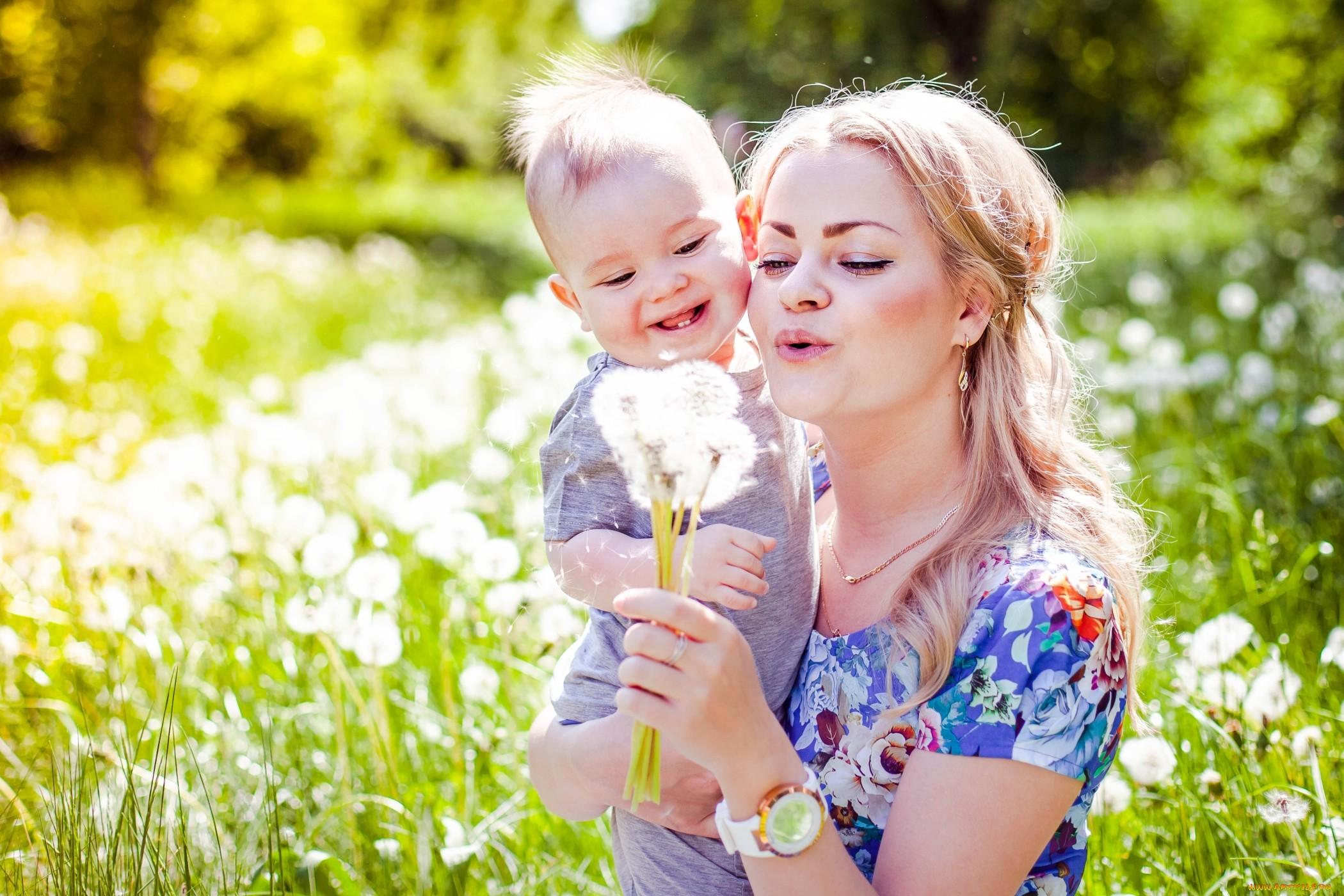 Красивые трогательные стихи про маму